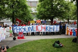 Kinderrechte ins Grundgesetz - Kundgebung vor dem BVG